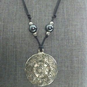 Jewelry - NATIVE AMERICAN INDIAN CREST w/ Black pearls